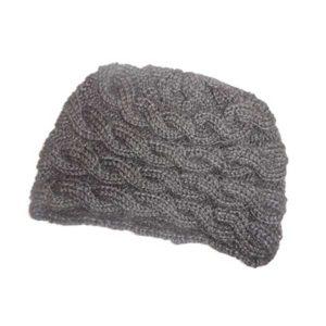 Bonnet couleur naturelle motif chaine
