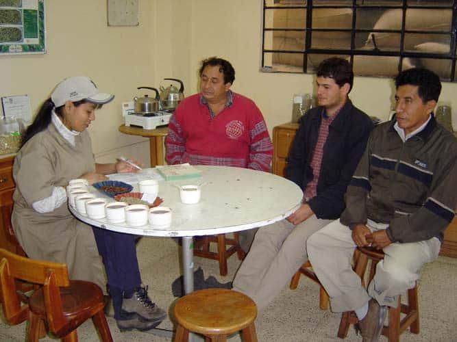 Analyse du café au labo de Lima
