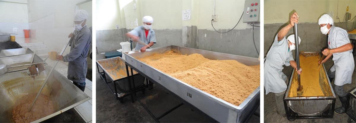 fin-de-la-cuisson-refroidissement-et-cristallisation-de-la-panela-sucre-saldac