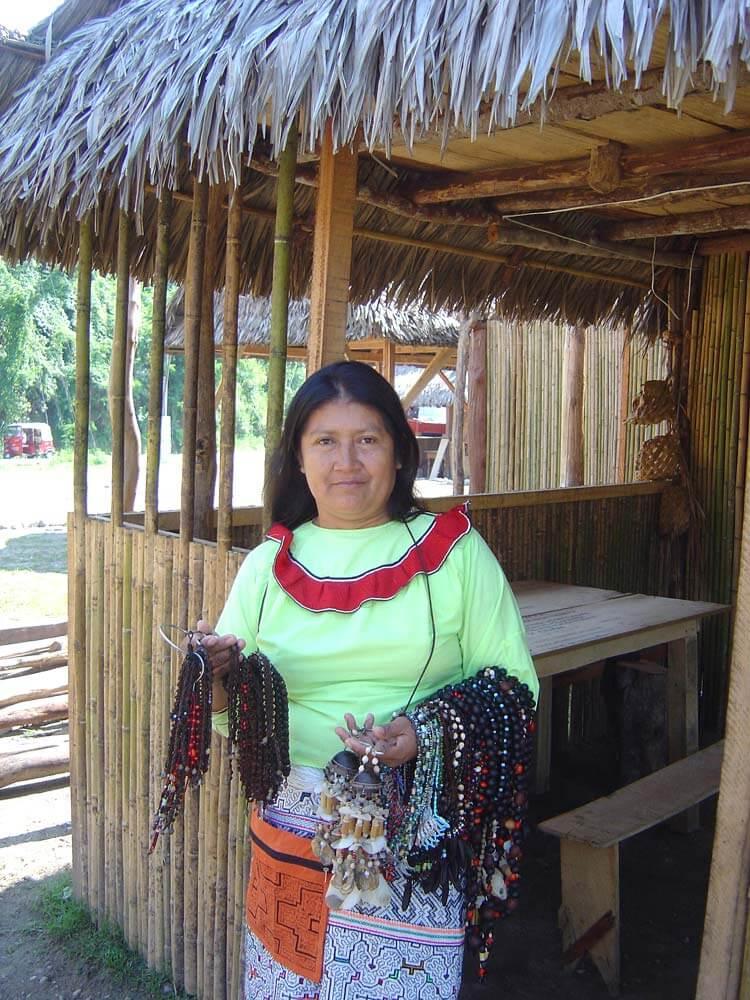 lucinda-une-des-femmes-du-groupes-saldac
