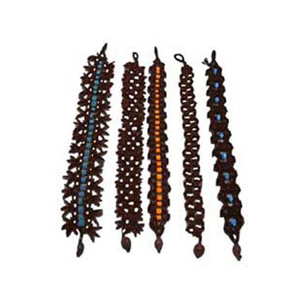 00027 - Bracelets en graines